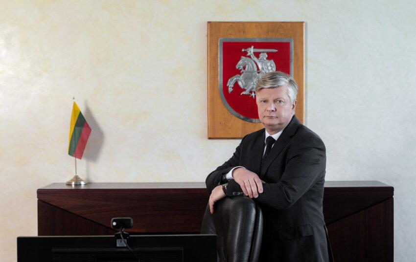 """Ministras K. Navickas: """"Su galimomis korupcijos rizikomis taikstomasi nebus"""""""