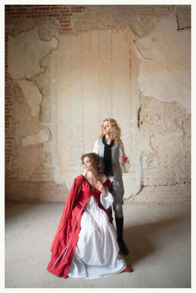 """Spalio 29 d. 18 val. Klaipėdos kultūros fabrike žiūrovai turės galimybę nemokamai išvysti jausmingą muzikinio spektaklio """"Apie afektus, arba """"Dramma da capo"""" premjerą. Vilniaus ir Kaišiadorių publiką sužavėjęs baroko muzikos spektaklis, sukurtas XVIII a. operų arijų bei autentiškų baroko stilistikos choreografijų pagrindu, kalbės apie emocijas ir jų įtaką mūsų veiksmams."""