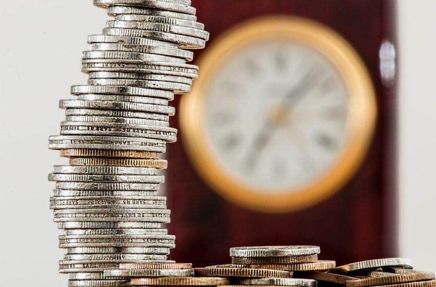 Kas planuojama 2022 metais: didės mažiausiai uždirbančiųjų pajamos, ūgtels senjorų ir neįgaliųjų pensijos ir kitos išmokos