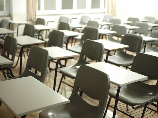 Mokiniai saviizoliacijoje – mokytojai situacijos įkaitai